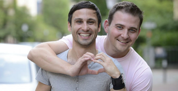couple-gay-hommes-introvertis-conseils